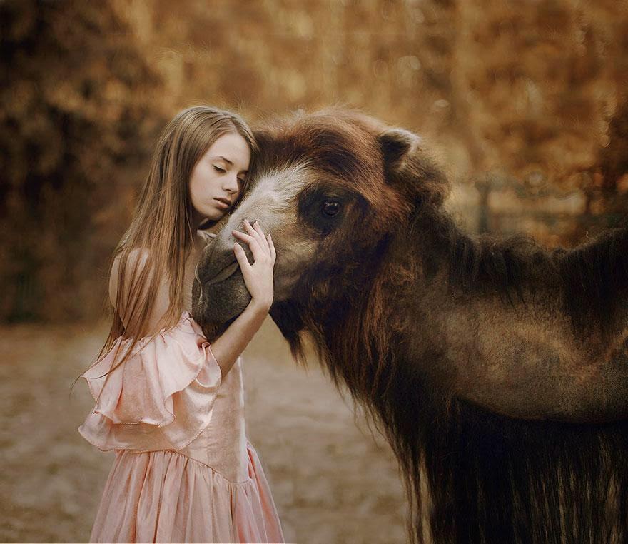 Ela registrou essas fotos impressionantes com animais vivos! 18
