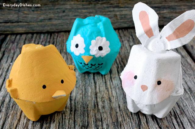 Animais de caixa de ovos reciclavel